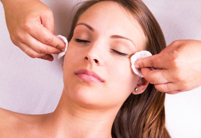 O uso do peeling químico no tratamento de manchas, rugas e cicatrizes | Dra. Angélica Pacheco