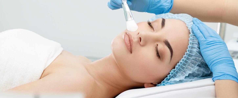 Peeling químico: o tratamento de manchas, rugas e cicatrizes!